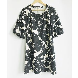 Banana Republic Black/White Silk Bell Sleeve Dress